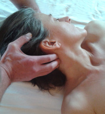 Releasing muscular armoring through myofascial tissues massage.